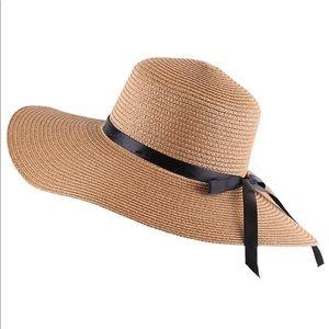 NWT Womens Wide Brim floppy sun hat foldable Khaki